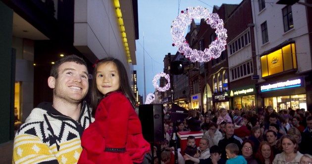 In photos: Gordon D'Arcy kicks off festive feeling by lighting Dublin for Christmas