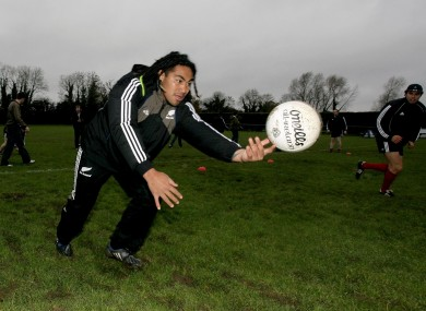 Ma'a Nonu gives gaelic football a try back in 2008.