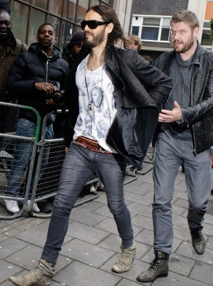 Russell Brand and other celebrities may like skinny jeans, but they can cause testicular problems 