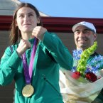 Olympic Gold medalist Katie Taylor pictured with her father Pete as she arrived home to Bray yesterday evening. Photo: Laura Hutton/Photocall Ireland