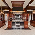 The six-bedroom house completes complete with a fitted kitchen. (Estate agent: sothebysrealty.ca)