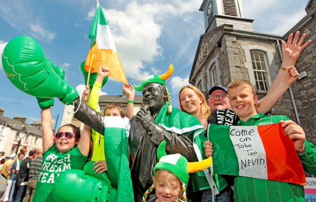 John Joe's fans celebrate beside the Joe Dolan statue 10/8/2012