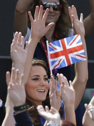 The Duchess of Cambridge celebrates as Andy Murray wins.