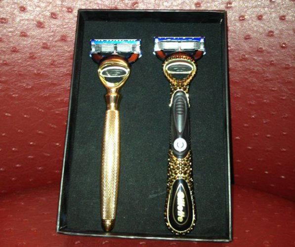ryan-lochtes-gets-gold-razors-from-gillette-for-olympics-performance-597x500