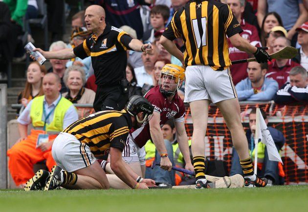 Davy Glennon is fouled and it leads to the point by Joe Canning to draw the match 9/9/2012