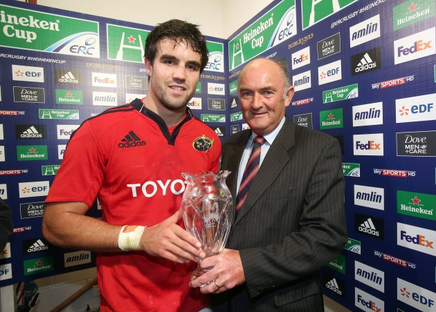 Conor Murray receives the man of the match award from Pat Maher 21/10/2012