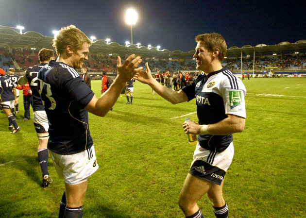 Jean de Villiers and Ronan O'Gara after the game 20/12/2009