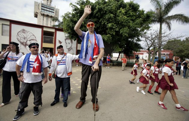Cuba Tallest World Man
