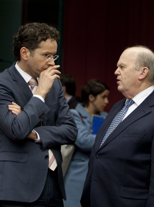 Michael Noonan speaks with Dutch finance minister Jeroen Dijsselbloem at the meeting in Brussels last night