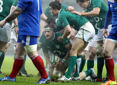 Jamie Heaslip scores the opening try of the match.