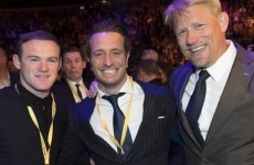 A gurning Lee Evans photobombing Wayne Rooney and Peter Schmeichel