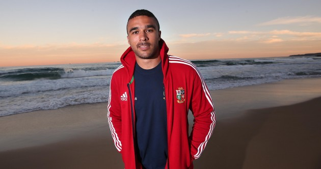 New Lion Simon Zebo touches down in Australia and hits the beach